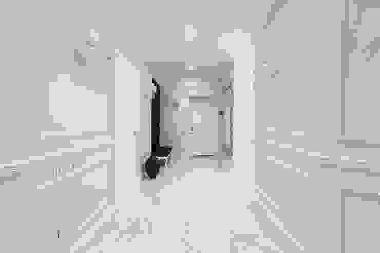 Paredes y pisos de estilo minimalista de U-Style design studio Minimalista