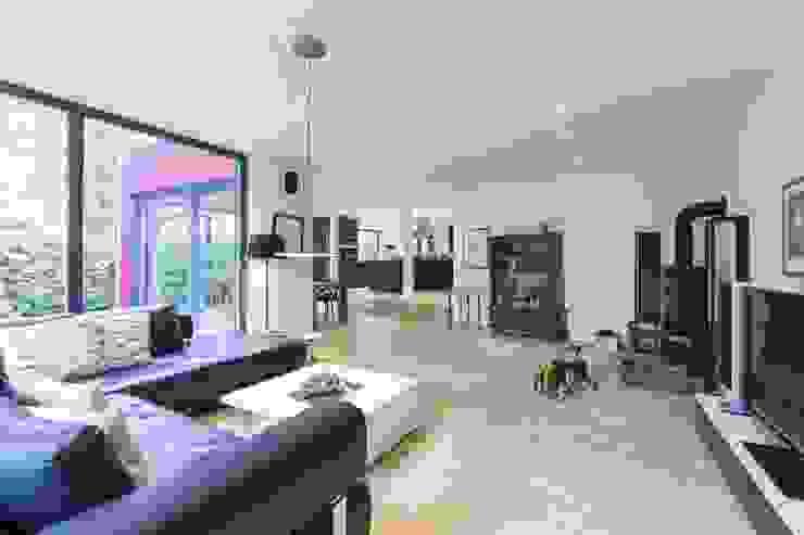 Modern living room by Architekturbüro Prell und Partner mbB Architekten und Stadtplaner Modern