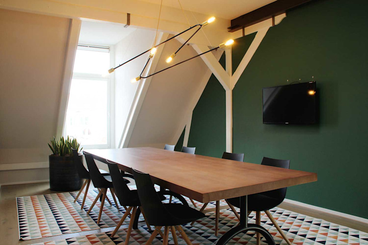 Roof Design Studio Eclectic style study/office