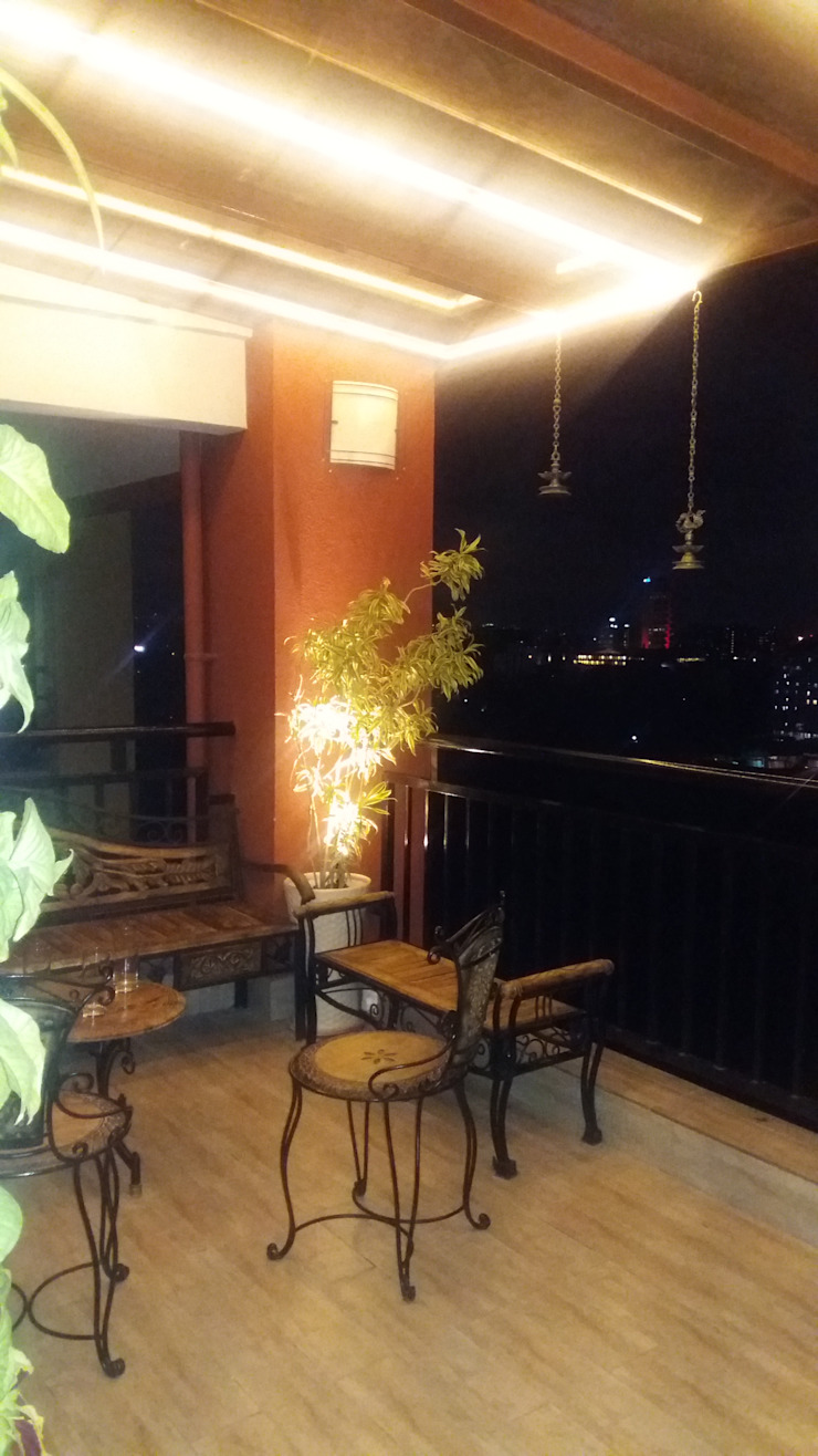 Entrance Lobby and Terrace Minimalist balcony, veranda & terrace by DS DESIGN STUDIO Minimalist