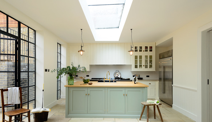 The Islington N1 Kitchen by deVOL deVOL Kitchens Classic style kitchen Green