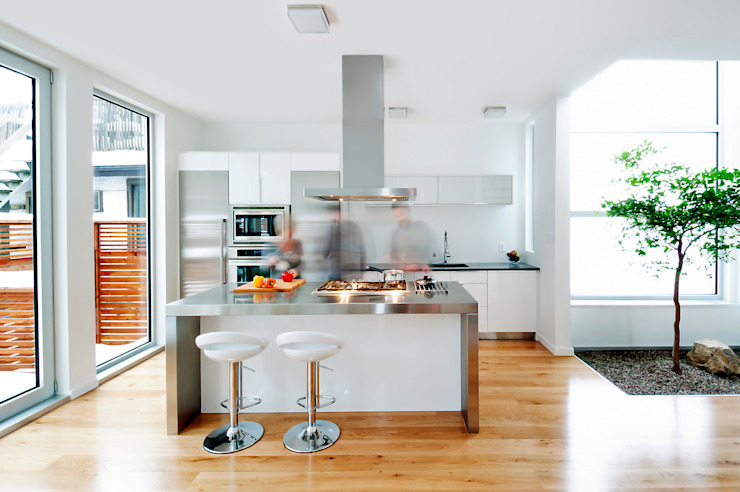 Fold Place Modern kitchen by Linebox Studio Modern