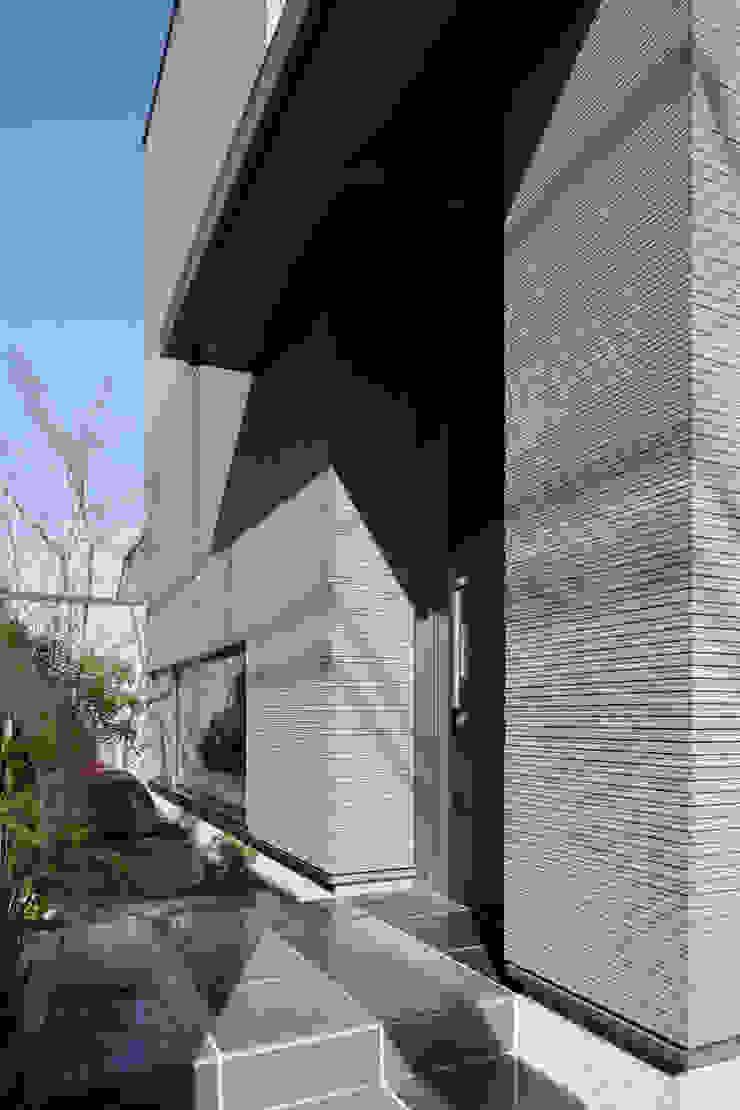 Modern houses by Mアーキテクツ|高級邸宅 豪邸 注文住宅 別荘建築 LUXURY HOUSES | M-architects Modern Tiles
