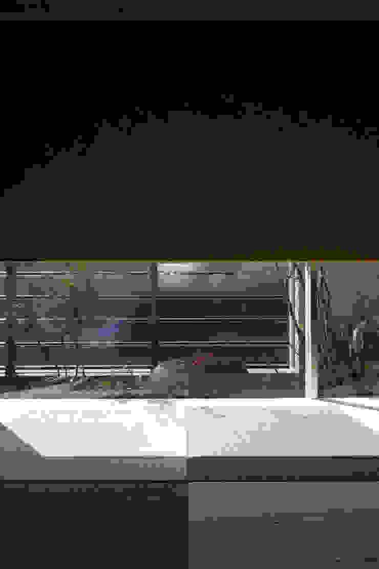 by Mアーキテクツ|高級邸宅 豪邸 注文住宅 別荘建築 LUXURY HOUSES | M-architects Modern Stone