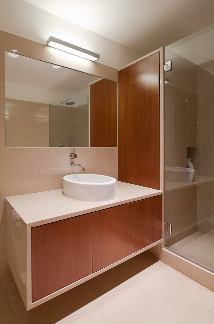 Toilet Casas de banho minimalistas por FMO ARCHITECTURE Minimalista