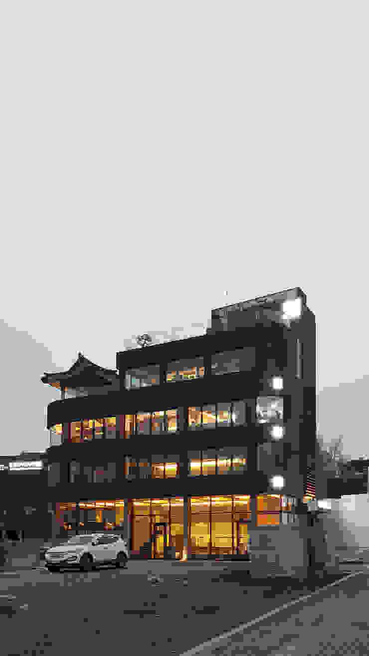 1인(은평 근린생활시설) 모던스타일 주택 by 모노그래프 모던