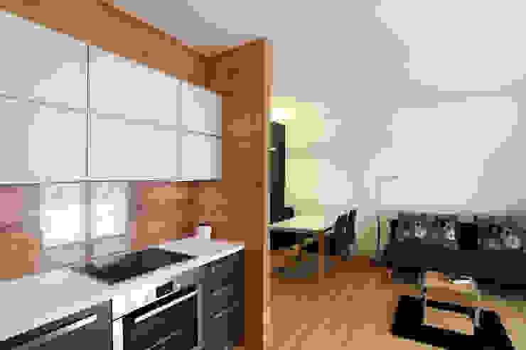 Cocinas modernas de gianluca valorz architetto Moderno Madera Acabado en madera
