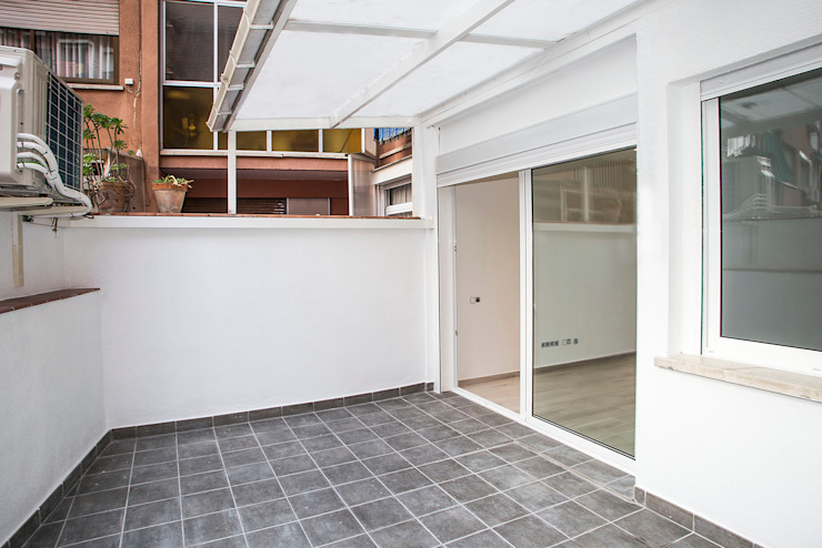 Terraza Balcones y terrazas de estilo moderno de Grupo Inventia Moderno Concreto