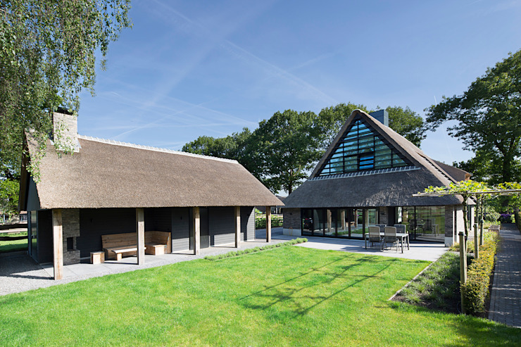 Country style houses by Vermeer Architecten b.v. Country