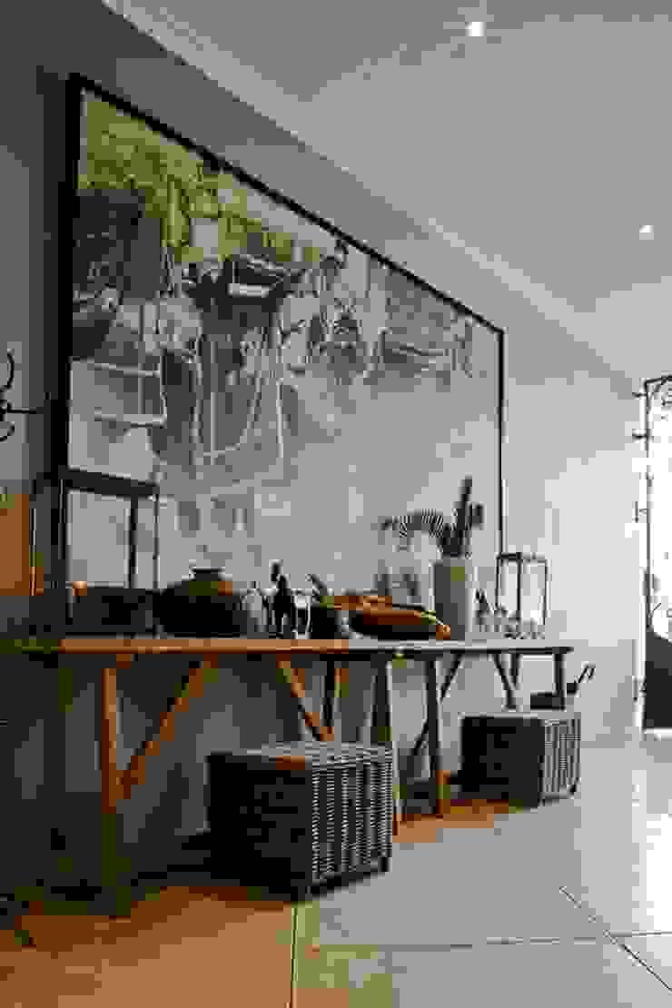 equestrian farm house Modern Corridor, Hallway and Staircase by House of Decor Modern