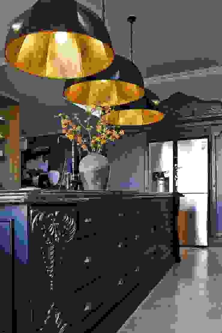 equestrian farm house Modern kitchen by House of Decor Modern