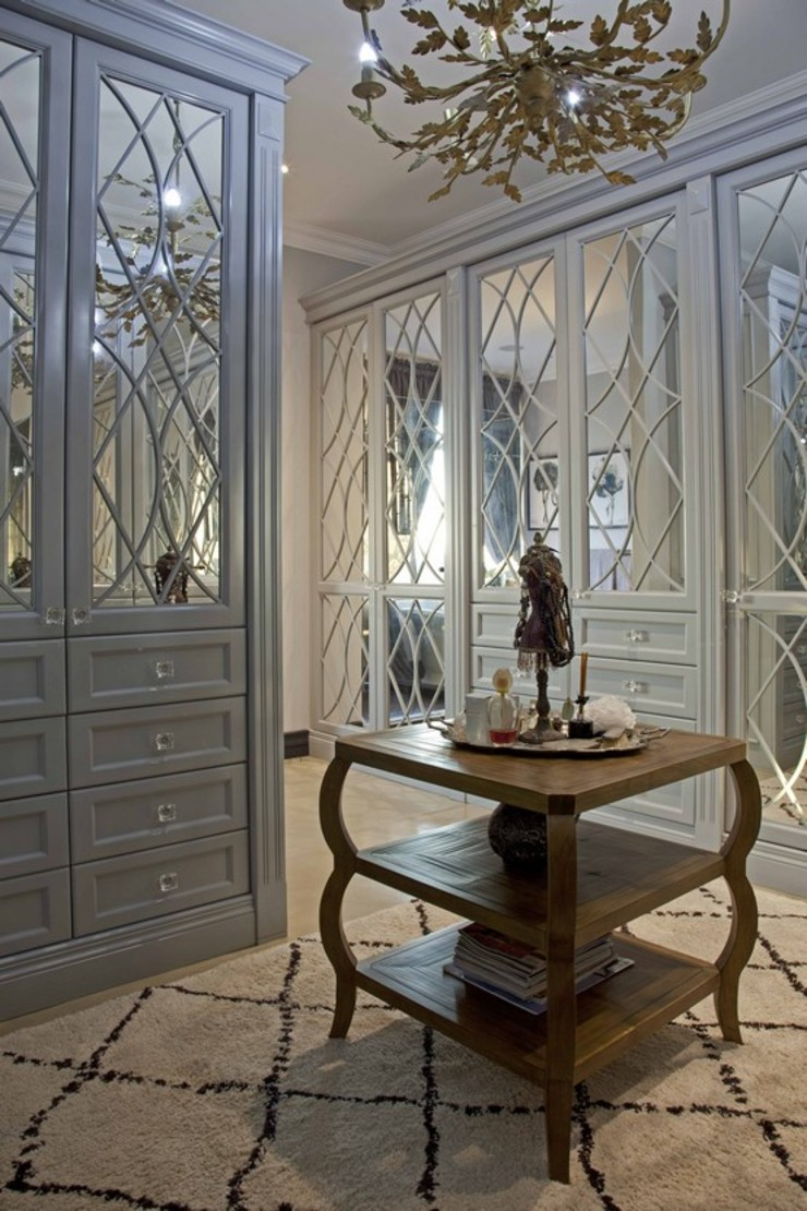 equestrian farm house Modern dressing room by House of Decor Modern