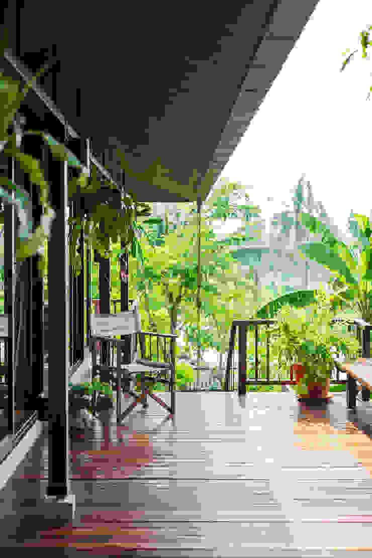 Baan Kong ( Grandfather's house) โดย บริษัท สถาปนิกชุมชนและสิ่งแวดล้อม อาศรมศิลป์ จำกัด คันทรี่ ไม้ Wood effect