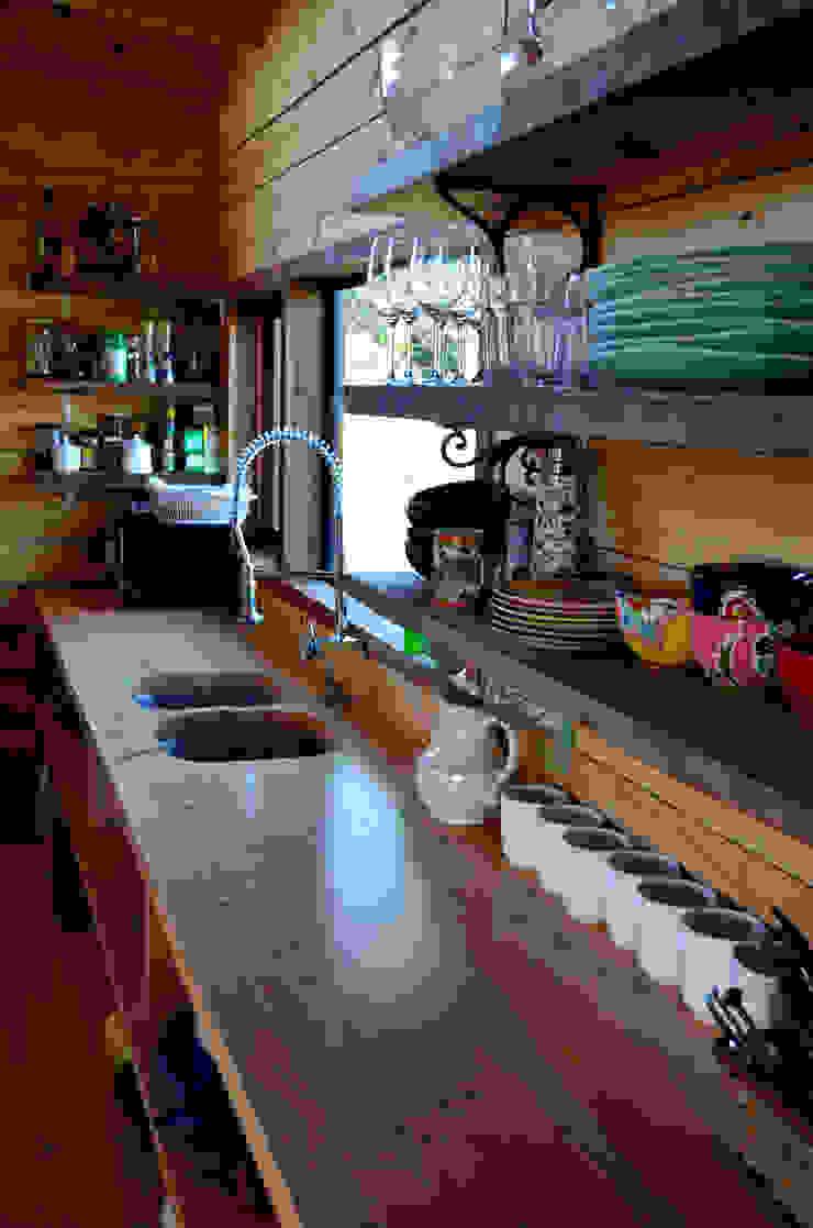 CASA AF Cocinas de estilo rústico de BLAC arquitectos Rústico Madera Acabado en madera