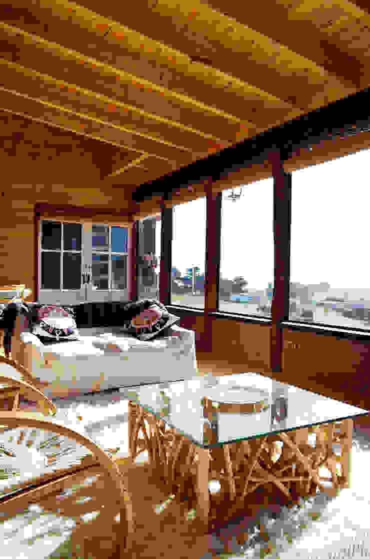 CASA AF Livings de estilo rústico de BLAC arquitectos Rústico Madera Acabado en madera