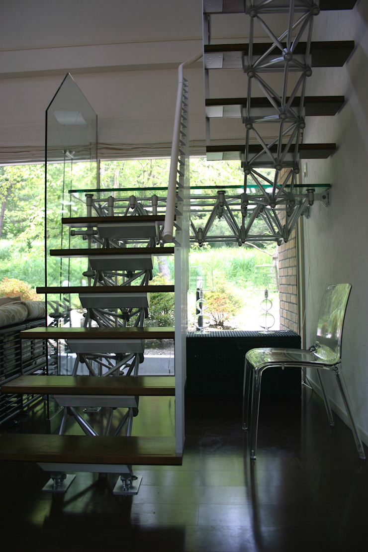 Modern corridor, hallway & stairs by Mアーキテクツ 高級邸宅 豪邸 注文住宅 別荘建築 LUXURY HOUSES   M-architects Modern Aluminium/Zinc