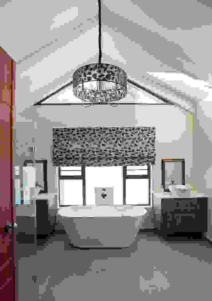 Bedforview Alterations Modern bathroom by FRANCOIS MARAIS ARCHITECTS Modern