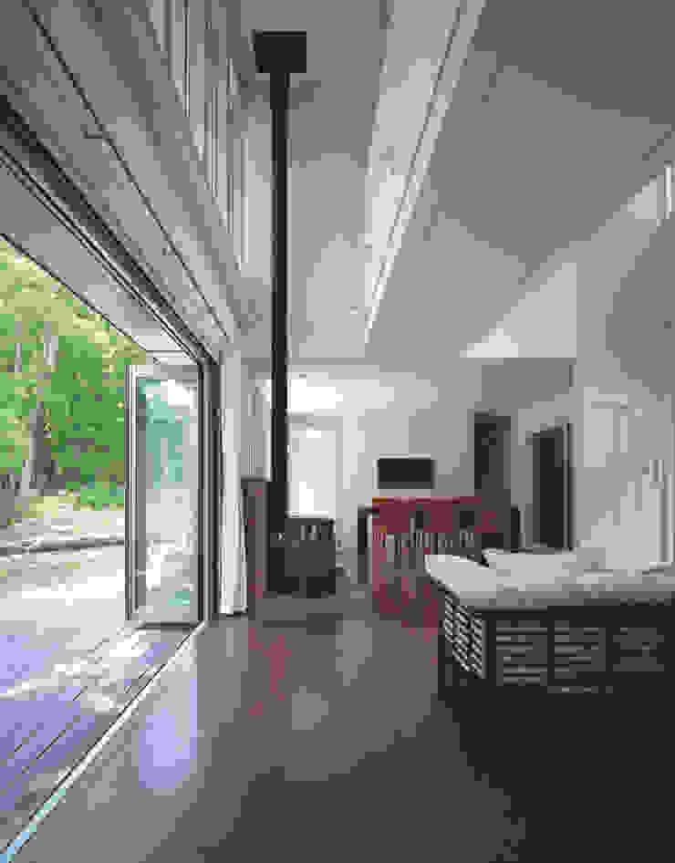 by Mアーキテクツ 高級邸宅 豪邸 注文住宅 別荘建築 LUXURY HOUSES   M-architects Modern Wood Wood effect