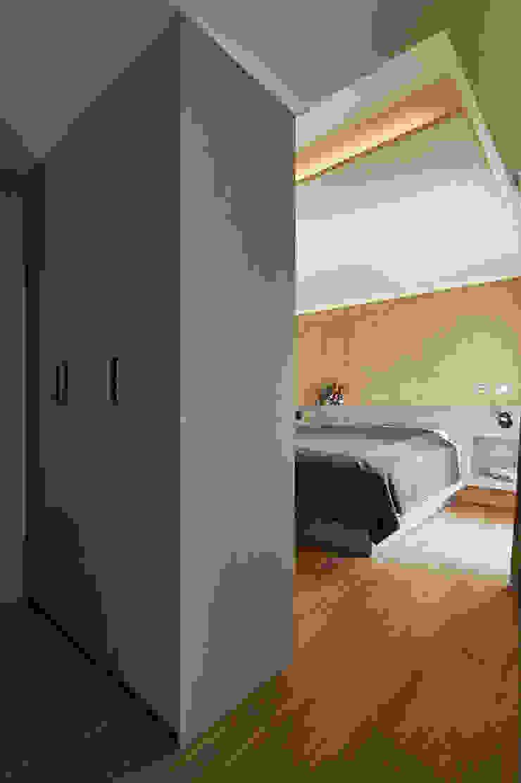 雙色珪藻土凸顯牆面豐富層次 根據 青瓷設計工程有限公司 現代風