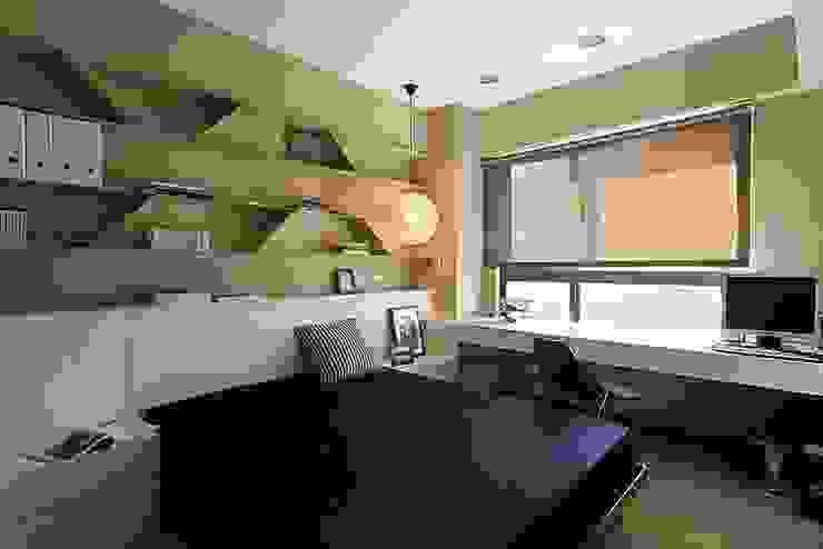 Moderne Schlafzimmer von 禾光室內裝修設計 ─ Her Guang Design Modern