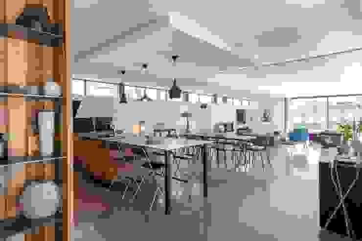 Industrial style kitchen by Hugues TOURNIER Architecte Industrial