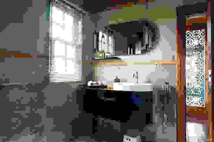 Baños de estilo  por Bilgece Tasarım, Moderno
