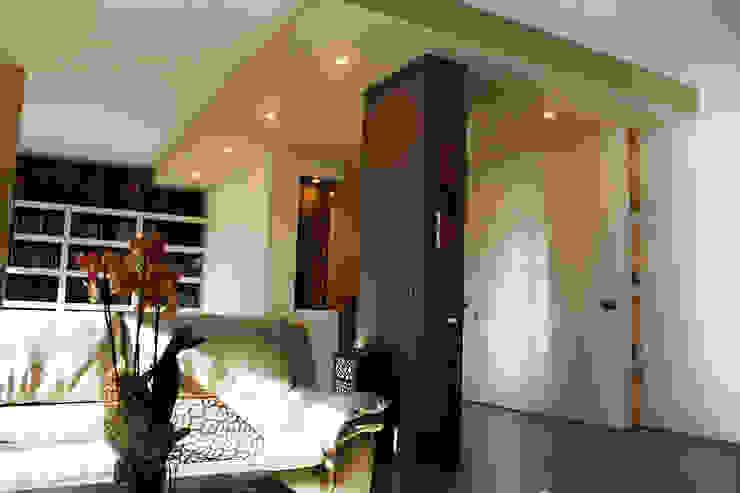 Salon moderne par Studio 06 Moderne
