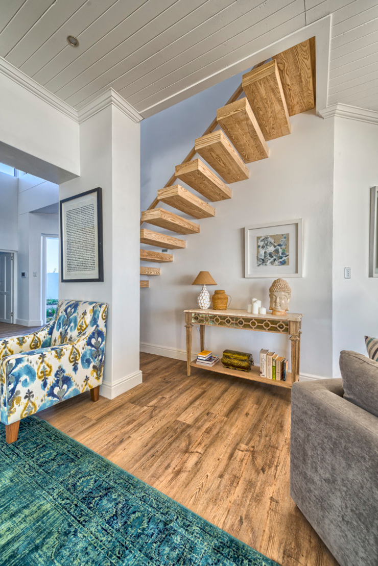 Atlantic Drive Eclectic style corridor, hallway & stairs by House Couture Interior Design Studio Eclectic