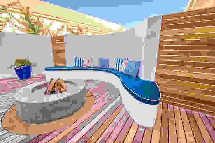 Balcones y terrazas de estilo ecléctico de House Couture Interior Design Studio Ecléctico