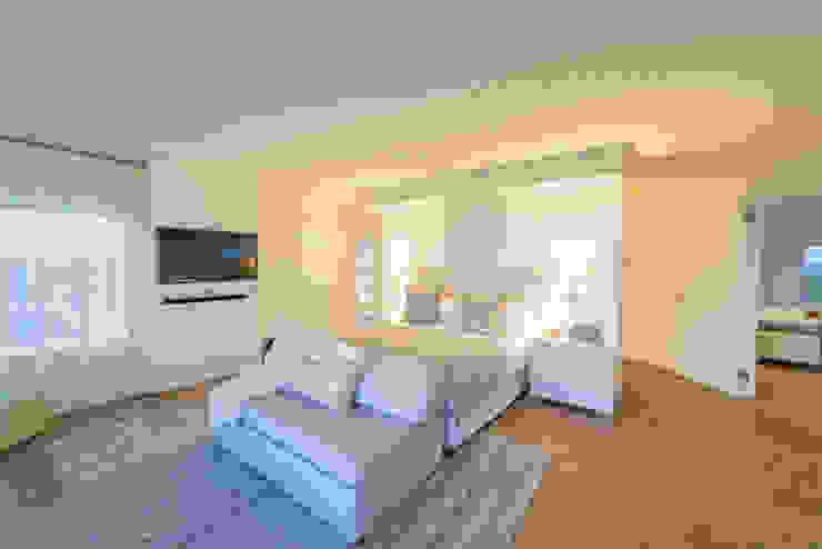 Habitaciones de estilo ecléctico de House Couture Interior Design Studio Ecléctico