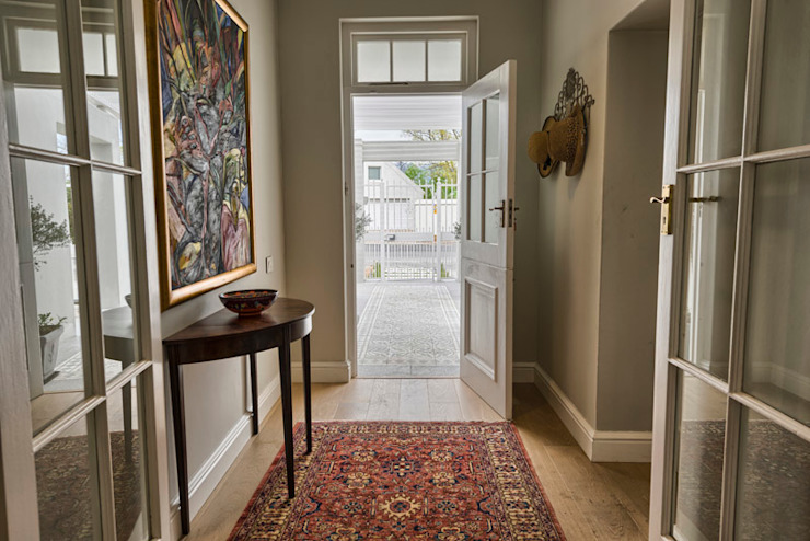 Eclectic style corridor, hallway & stairs by House Couture Interior Design Studio Eclectic