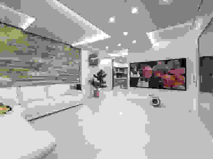 Living room by SANSON ARCHITETTI,