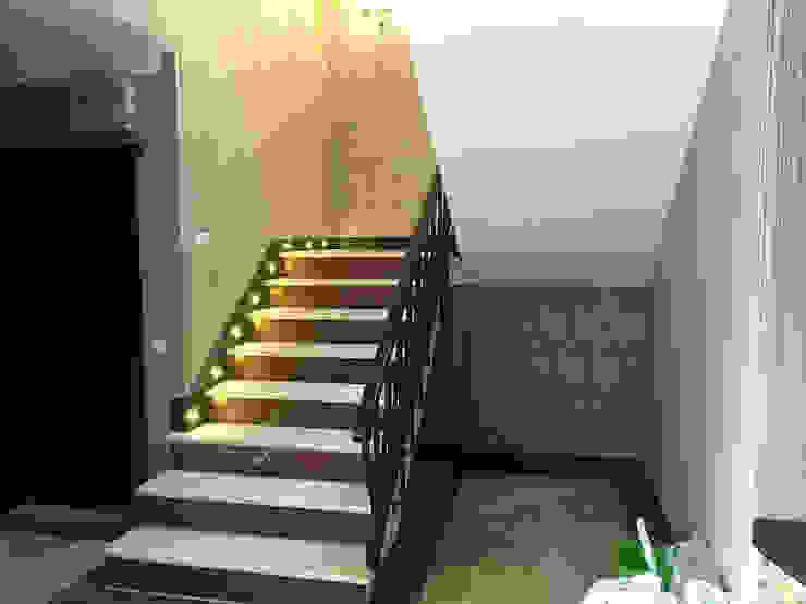 Mandalin Dizayn – İstanbul Ömerli Riverside Evleri Villa Projesi:  tarz Koridor ve Hol