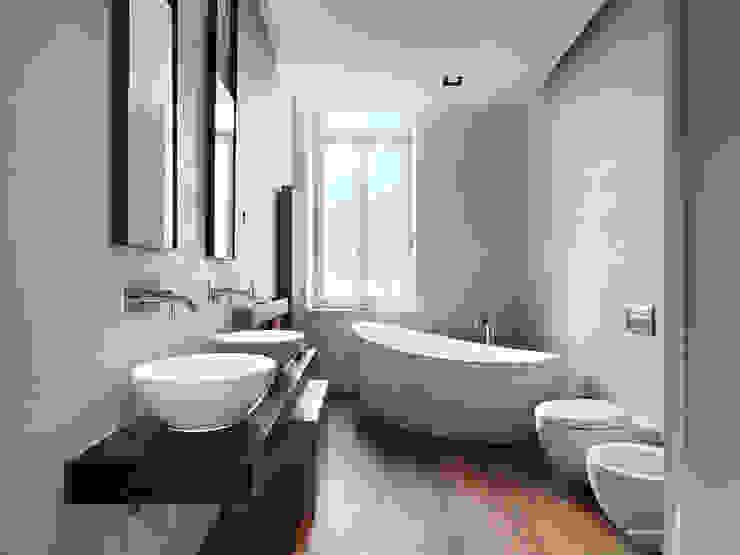 ห้องน้ำ โดย studio antonio perrone architetto,