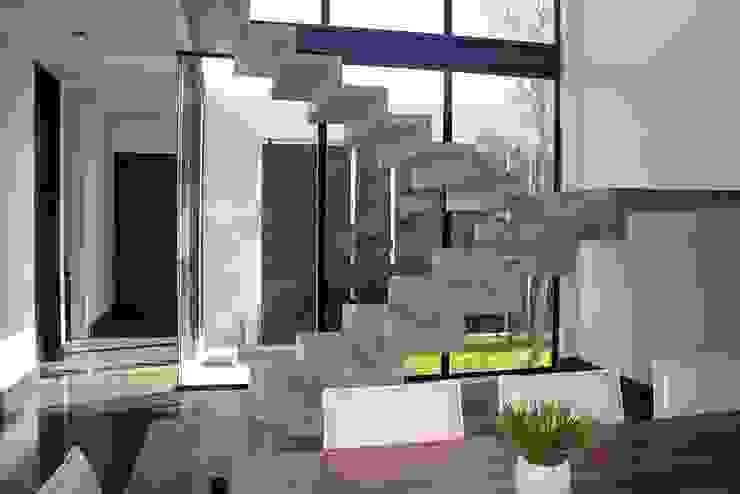 Pasillos y vestíbulos de estilo  por Narda Davila arquitectura