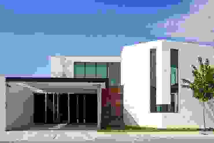 Fachada principal Casas industriales de Narda Davila arquitectura Industrial