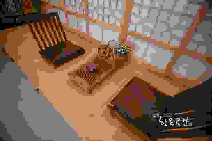 Terrazas de estilo  por 한옥공간