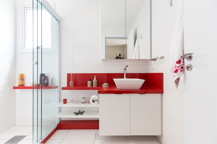 Minimalist style bathroom by Kali Arquitetura Minimalist