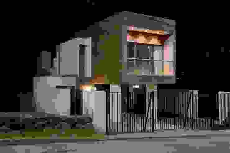 Houses by Sociedad Castillo Arquitectos Ltda., Minimalist Reinforced concrete