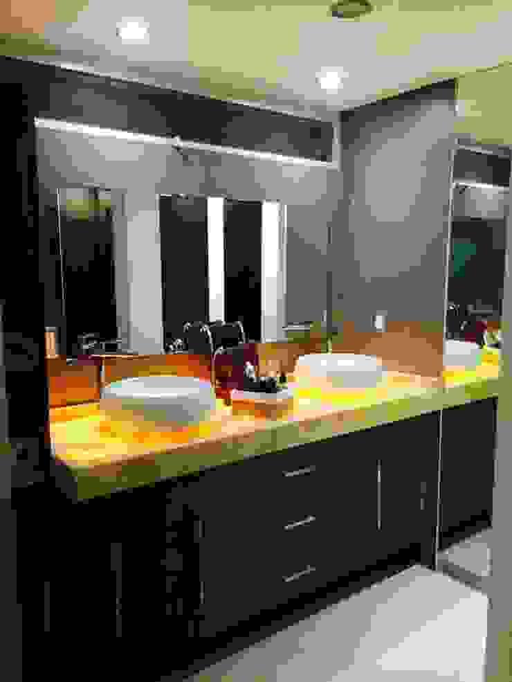 Ванная комната в стиле модерн от Arqca Модерн