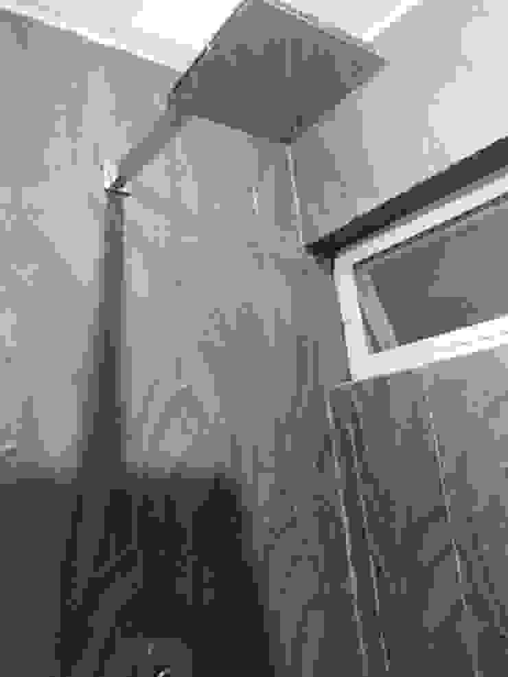 現代浴室設計點子、靈感&圖片 根據 Arqca 現代風
