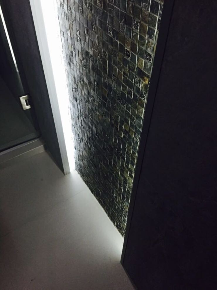 Phòng tắm phong cách hiện đại bởi Arqca Hiện đại