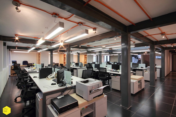 Área Operatios Estudios y despachos minimalistas de ZTUDIO-ARQUITECTURA Minimalista Hierro/Acero