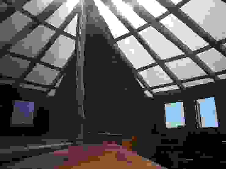 Casa Sol en Rari Balcones y terrazas rústicos de Secrea Rústico