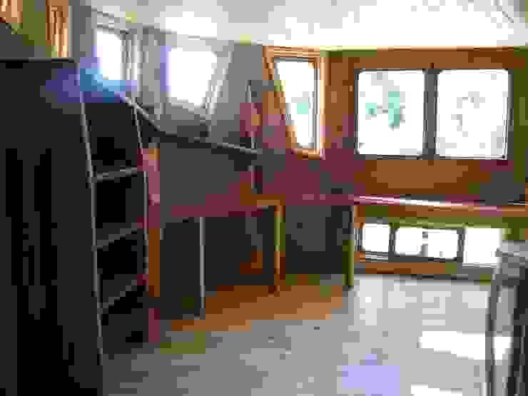 Casa Sol en Rari Estudios y bibliotecas de estilo rústico de Secrea Rústico
