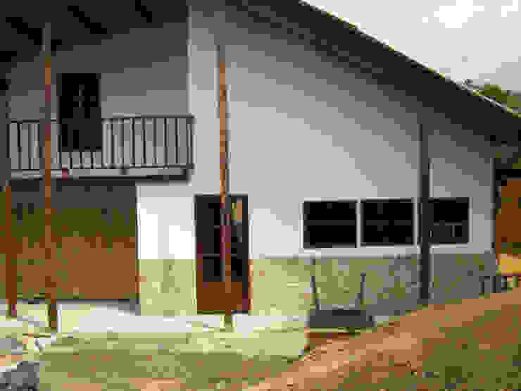 Vivienda Unifamiliar Casas de estilo rural de Construexpress Rural