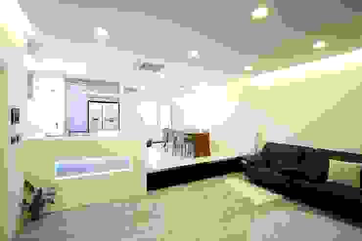 수하우징 프로젝트 A 모던스타일 거실 by 수하우징 모던
