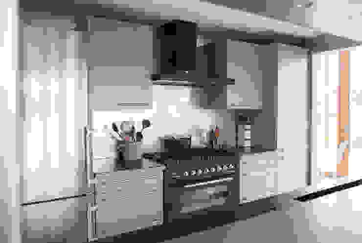 Minimalistisch keuk ontwerp Landelijke keukens van JEANNE DEKKERS ARCHITECTUUR Landelijk Metaal