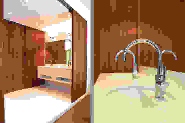 badkamer Architectenbureau Filip Mens Moderne badkamers Kunststof Wit