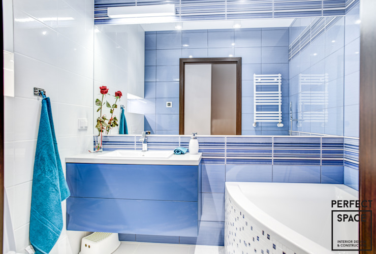 Classic style bathroom by Perfect Space Classic